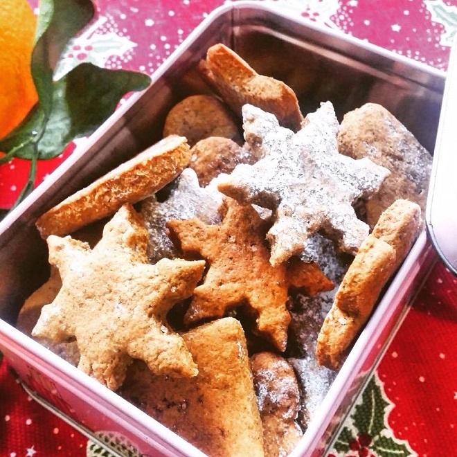 biscotti natalizi vegani allo zenzero e cannella